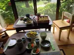 ブラウス作りの楽しみはお楽しいお昼の食事