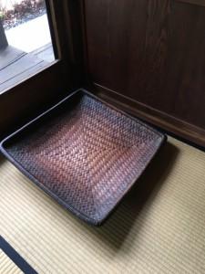 畳の部屋になじむ物入れ