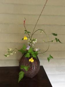 野の花を生ける